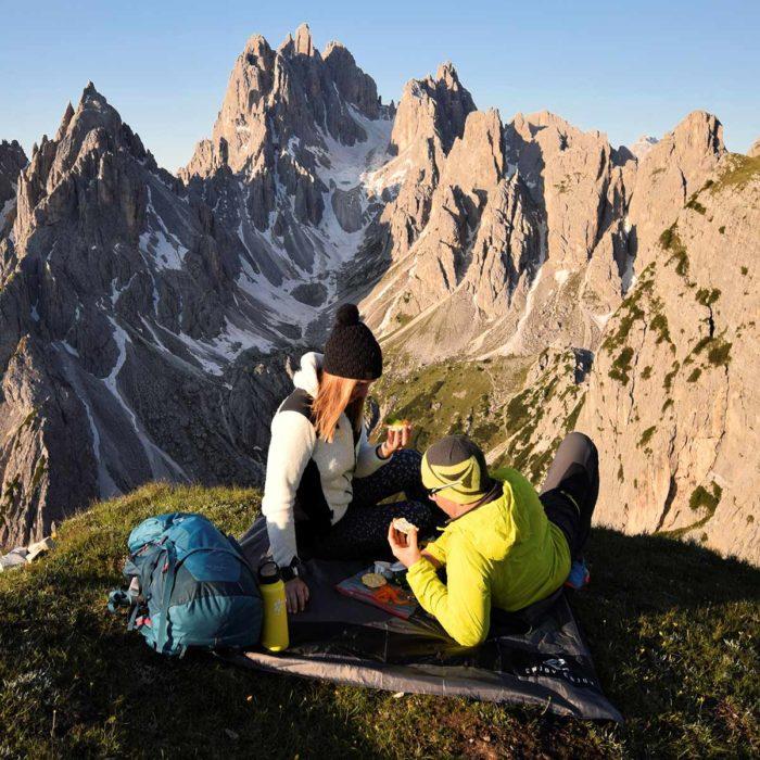 Enjoy-Enjoy-hiking